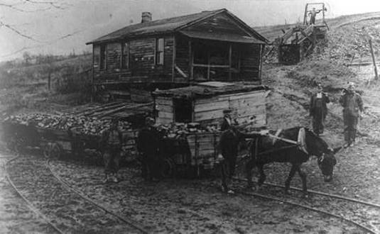 horse_railway_in_coal_mine