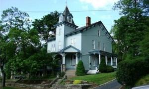 1001-cropped-jacksonhouse