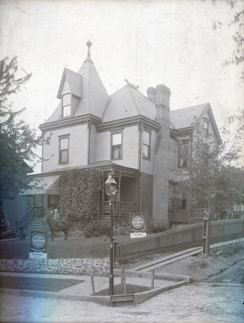 CHTruby Home 601 Terrace Avenue circa 1927 -fromLTouzeau-Trimmed.jpg